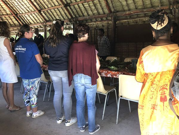 L'équipe du collège Champagnat en immersion culturelle au centre Tjibaou, 9 mai 2018
