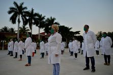 Avant son départ pour Andorre, la délégation de soignants a participé à une cérémonie d'adieu à Cuba le 28 mars.