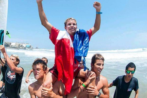 Leo- Paul Etienne champion du monde de surf