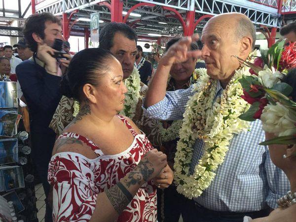 Alain Juppé au marché de Papeete