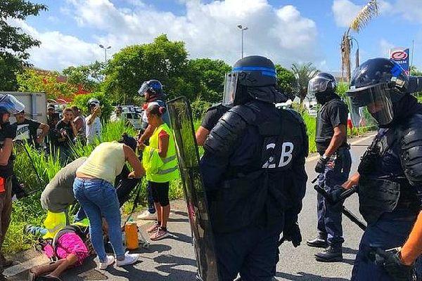 Intervention musclée des policiers Saint-André mars 2019