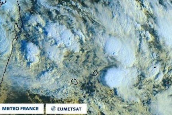 La Réunion est placée en alerte cyclonique orange à partir de 22 h, ce jeudi 23 janvier.