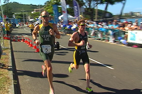 Deux Australiens en tête du Triathlon international de Nouméa le 26 avril 2015 © NC 1ère -