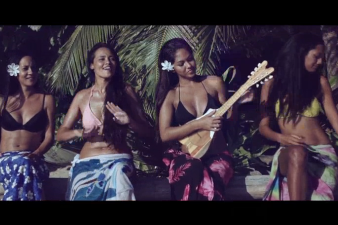 ASHLEY - LOST ISLAND (The HandCart Meets Tahiti) © Capture écran