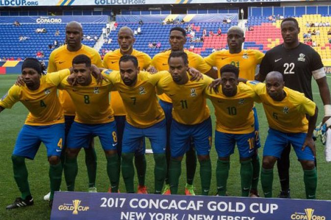 L'équipe de Guyane pose pour la photo avant son match contre le Canada, le 7 juillet 2017 à New Jersey City. © Bryan R Smith/CONCACAF/AFP